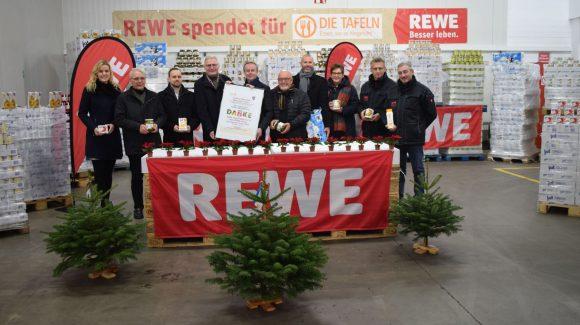 Übergabe der REWE-Zusatzspende in Rossbach