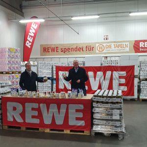 3. November; REWE Mitte spendet Ware im Wert von 33.333 Euro